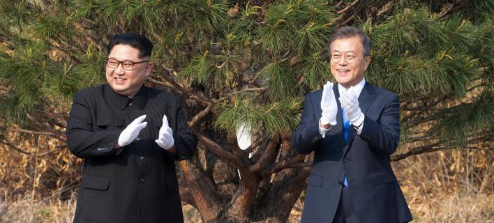 Reuters: Ο Κιμ με αστεία και αγκαλιές, θέλει να απαλλαγεί από την εικόνα του αδίστακτου νταή [εικόνες]