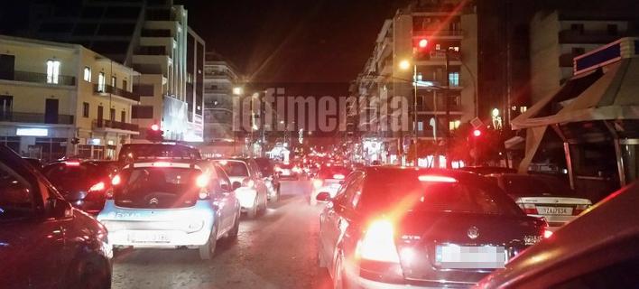 Κυκλοφοριακό «έμφραγμα» στους δρόμους της Αθήνας -Μεγάλη ταλαιπωρία των οδηγών [εικόνες]