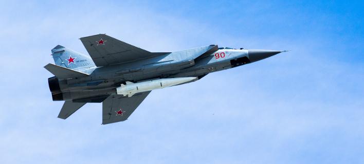 Μαχητικό  MiG-31 με το νέο, υπερηχητικό πύραυλο Kinzhal (Φωτογραφία: ΑΡ)