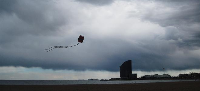 Βροχερό το τριήμερο της Καθαράς Δευτέρας: Κούλουμα με καταιγίδες και πτώση της θ