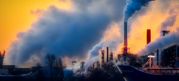Φουγάρα εργοστασίων/Φωτογραφία: Pixabay