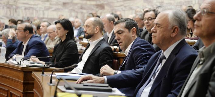 Ο Τσίπρας ενημερώνει τους βουλευτές για τη Novartis -Τα επόμενα βήματα για την προανακριτική
