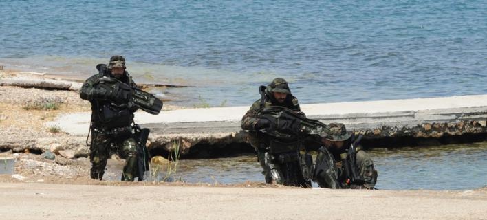 Κατάσταση πολιορκίας σε Αιγαίο και Εβρο για να μην περάσουν στην Ελλάδα πραξικοπηματίες