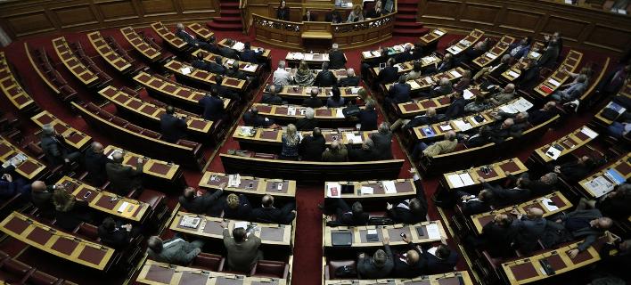 Απαγορεύεται η δημοσιοποίηση των ονομάτων όσων δωρίζουν κάτω των 5.000 ευρώ σε κόμματα