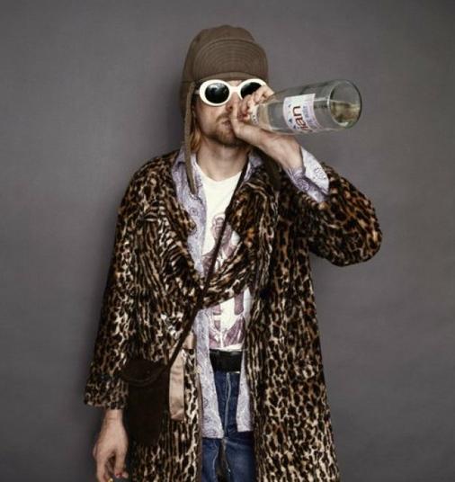 Νέες φωτογραφίες του Κερτ Κομπέιν λίγο πριν αυτοκτονήσει [εικόνες]