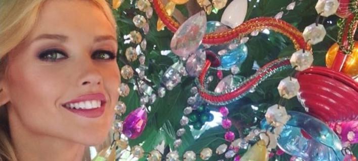 Αυτή είναι η πανέμορφη συνεργάτις της Ελένης Μενεγάκη [εικόνες]