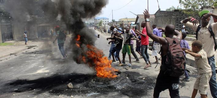 Φονική πορεία: Τουλάχιστον 100 οι νεκροί από τις ταραχές στο Κονγκό