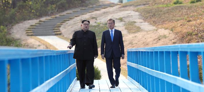 Κιμ Γιονγκ Ουν & Μουν Τζε-ιν (Φωτογραφία: Korea Summit Press Pool via AP)