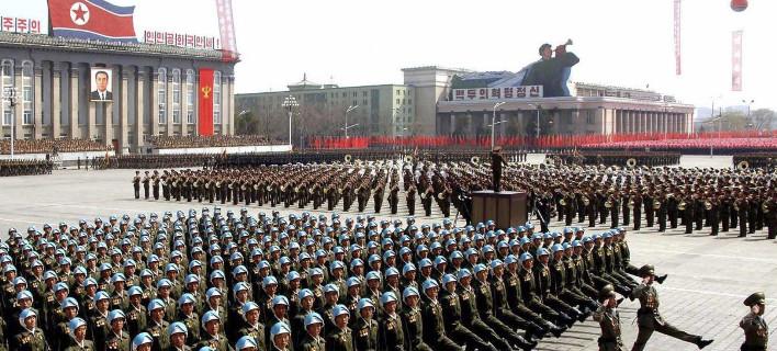 Β. Κορέα: 3,5 εκατ. άτομα ζήτησαν να καταταγούν για να πολεμήσουν τις ΗΠΑ!