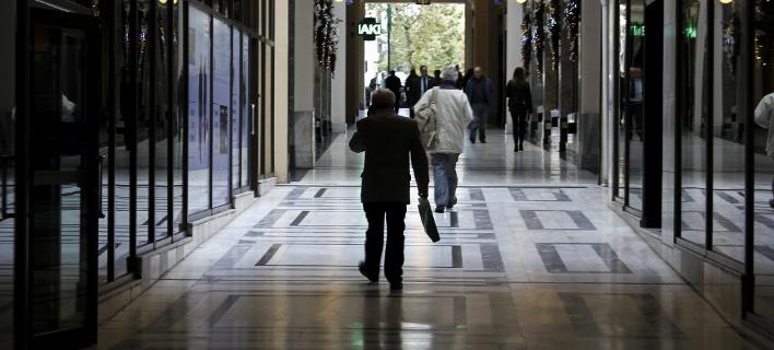 Με βαθιά το χέρι στην τσέπη αποχαιρετούν οι φορολογούμενοι το 2017 / EUROKINISSI/ΣΩΤΗΡΗΣ ΔΗΜΗΤΡΟΠΟΥΛΟΣ