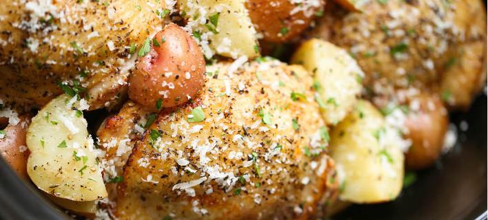 Κοτόπουλο σε αργή βράση, με πατάτες