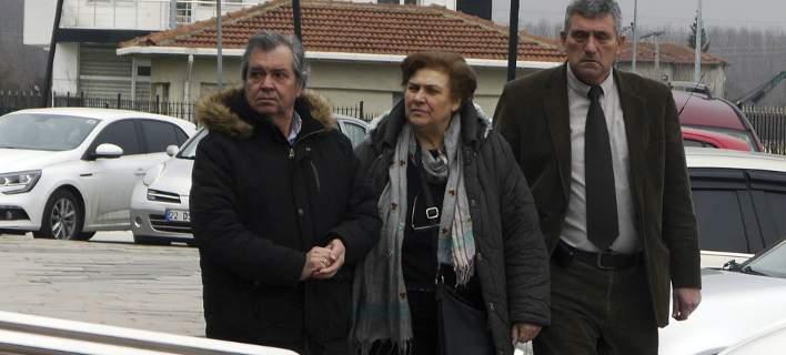 Οι γονείς του Δημήτρη Κούκλατζη (Φωτογραφία: AP/ Ergin Yildiz)