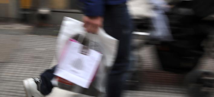 Η αύξηση της ιδιωτικής κατανάλωσης στηρίζεται στις αποταμιεύσεις και στην έξαρση της φοροδιαφυγής/Φωτογραφία: Eurokinissi