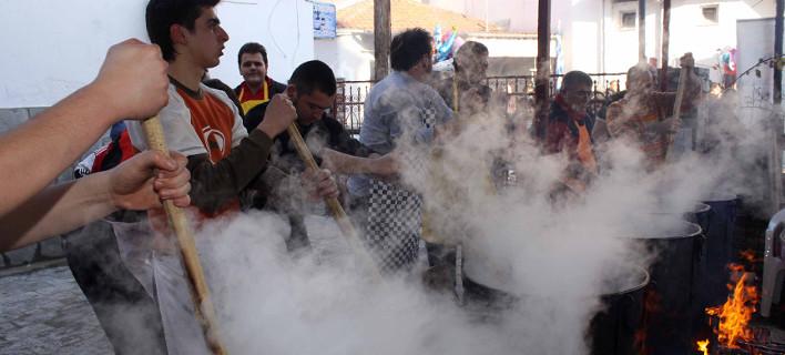 Στήθηκαν τα καζάνια στη Δράμα -Αναβιώνει το έθιμο του Κουρμπανιού για τον Αγιο Αθανάσιο [εικόνες]