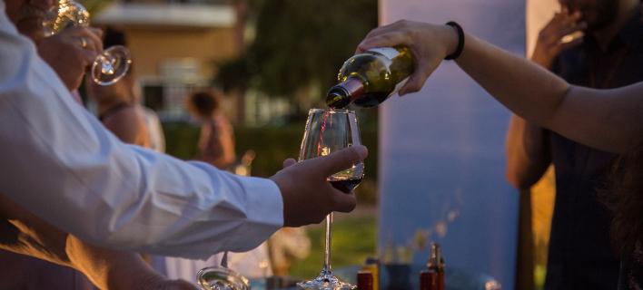 Αποστόλου: Kαταργείται έως το τέλος του έτους ο εδικός φόρος κατανάλωσης στο κρασί