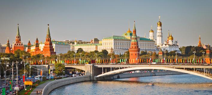 Το ταξίδι Τσίπρα στη Μόσχα προκαλεί σοβαρές αναταράξεις