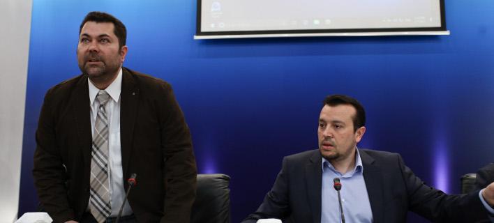 Ο γ,γ, Επικοινωνίας Λευτέρης Κρέτσος με τον Νίκο Παππά -Φωτογραφία: Intimenews