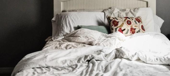Γιατί δεν πρέπει να στρώνουμε κάθε μέρα το κρεβάτι μας (Φωτογραφία: Unsplash)