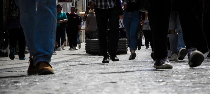 Στα χαμηλότερα επίπεδα απο οποιαδήποτε ευρωπαίκή χώρα οι εισοδηματικές προδοκίες των Ελληνων καταναλωτών/Φωτογραφία: Eurokinissi