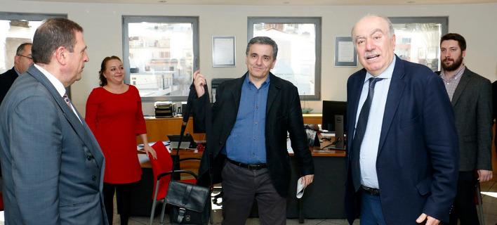 Επαφές με φορείς, τραπεζικά στελέχη και επιχειρηματίες της Κρήτης έχει από το πρωί ο Ευκλείδης Τσακαλώτος/Φωτογραφία: ΑΠΕ-ΜΠΕ