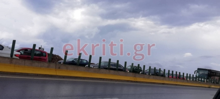 Ολισθηρό οδόστρωμα φωτογραφίες: ekriti.gr