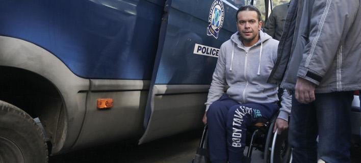 Ο δράστης του εγκλήματος στο Μοσχάτο: «Φυλακή είμαι και στο σπίτι μου» [βίντεο]