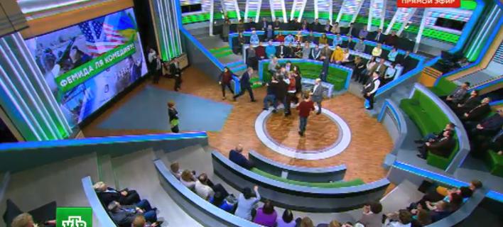 Ρωσία: Αγριο ξύλο on air μεταξύ πολιτικού και παρουσιαστή [βίντεο]