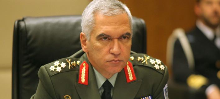 Επίτιμος αρχηγός ΓΕΕΘΑ για τους δύο Ελληνες στρατιωτικούς: Ολες μας οι σκέψεις μαζί τους