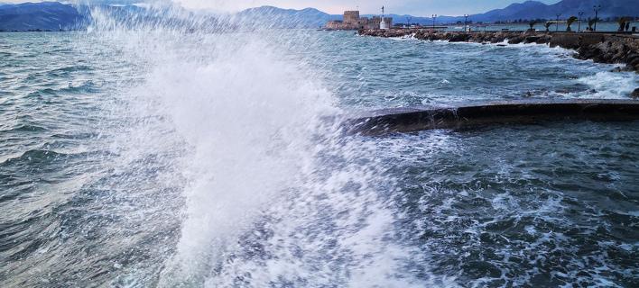 Ισχυροί άνεμοι την Τρίτη/ Φωτογραφία: ΑΠΕ-ΜΠΕ/ΜΠΟΥΓΙΩΤΗΣ ΕΥΑΓΓΕΛΟΣ