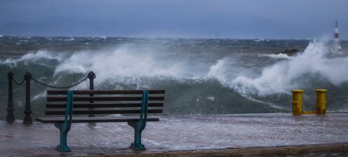 Θυελλώδεις άνεμοι στις θάλασσες και απαγορευτικό απόπλου εξαιτίας της κακοκαιρίας / Φωτογραφία: ΘΑΝΑΣΗΣ ΔΗΜΟΠΟΥΛΟΣ / EUROKINISSI