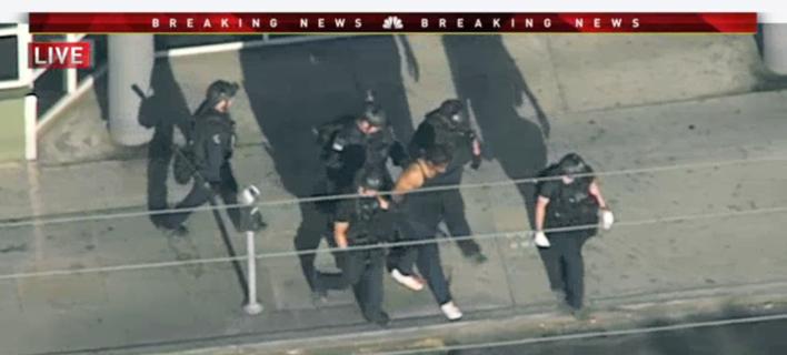 Ο δράστης παραδόθηκε στην αστυνομία (Φωτογραφία: AP)