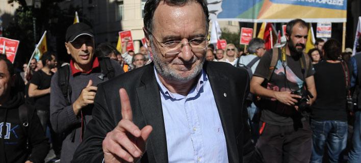 Ο Λαφαζάνης ζητά ειδικό δικαστήριο για όσους μετέτρεψαν το ΟΧΙ του δημοψηφίσματος σε ΝΑΙ
