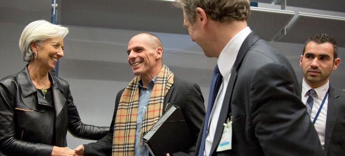 Το ΔΝΤ βγάζει την ουρά του απ' έξω: Η Ευρώπη αποφασίζει για το πρόγραμμα