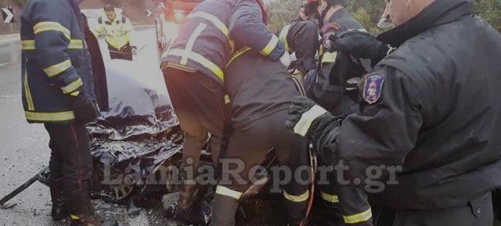 Τραγωδία στην Εθνική Αθηνών-Λαμίας: Οχημα καρφώθηκε σε νταλίκα, νεκρός ο οδηγός