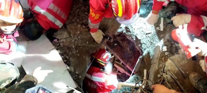 Κίνα: Ένας άντρας ανασύρθηκε ζωντανός μετά την τεράστια κατολίσθηση αποβλήτων