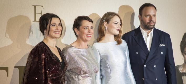 Ο Γιώργος Λάνθιμος και οι 3 πρωταγωνίστριές του /Φωτογραφία: AP/Vianney Le Caer