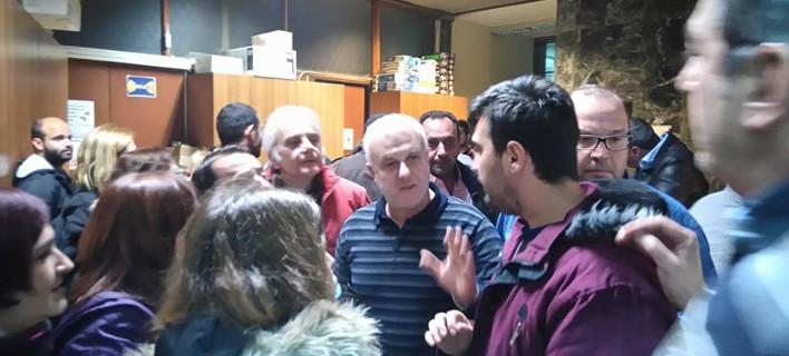 Καβγάς στο δημοτικό συμβούλιο Λάρισας για τον καταυλισμό προσφύγων -«Δεν θέλουμε δολοφόνους στα σπίτια μας»