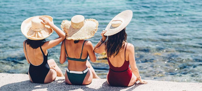 Tα λάθη που κάνεις με το μαγιό και νιώθεις άβολα στην παραλία