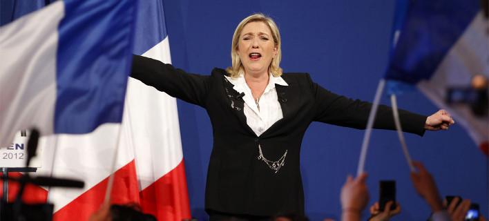 Οι Γάλλοι πήγαν στις κάλπες για να μην κερδίσει η Λε Πεν: Πρώτος με διαφορά ο Σαρκοζί