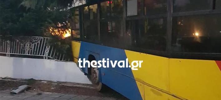Τρελή πορεία λεωφορείου του ΟΑΣΘ/ Φωτογραφία: thestival.gr