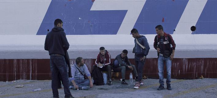 Δήμαρχος Λέσβου: Δεν θέλουμε πλωτό κέντρο φιλοξενίας για πρόσφυγες