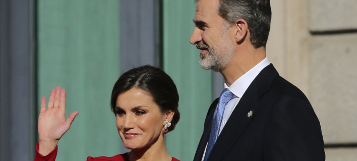 Η βασίλισσα Λετίθια και ο βασιλιάς Φελίπε /Φωτογραφία: AP/Andrea Comas