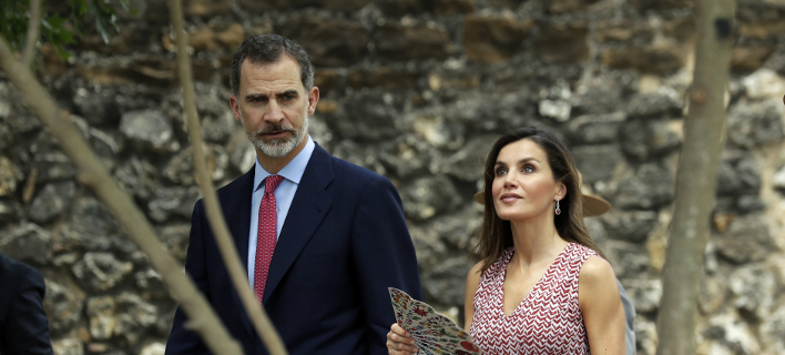 Ο βασιλιάς Φελίπε και η βασίλισσα Λετίθια /Φωτογραφία: AP