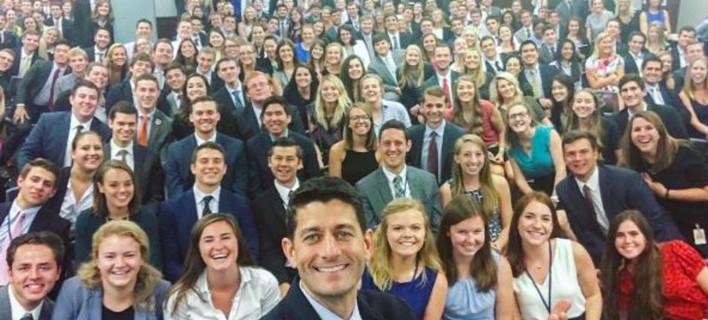 Η «λευκή» selfie των Ρεπουμπλικανών προκαλεί σάλο -Η απάντηση των Δημοκρατικών [εικόνες]