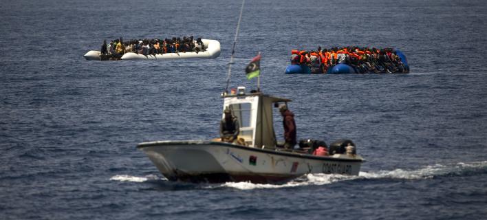 Λιβύη: Η ακτοφυλακή σταμάτησε 906 μετανάστες -Είχαν επιβιβαστεί σε βάρκες