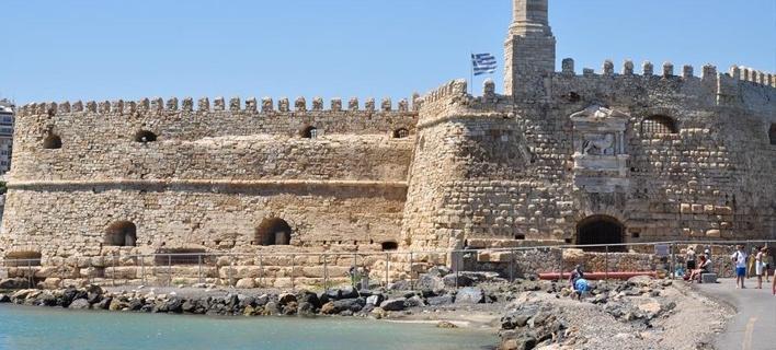 Βυθίστηκε αλιευτικό στο λιμάνι του Ηρακλείου