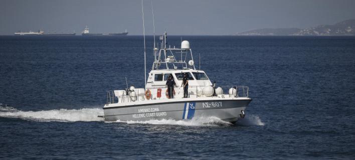 Στην περιοχή έσπευσαν περιπολικά σκάφη (Φωτογραφία αρχείου: EUROKINISSI/ΓΙΩΡΓΟΣ ΚΟΝΤΑΡΙΝΗΣ)