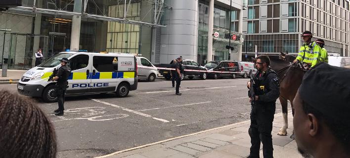 Λήξη συναγερμού στο Λονδίνο: Είχε εκκενωθεί η Λίβερπουλ Στριτ [βίντεο]