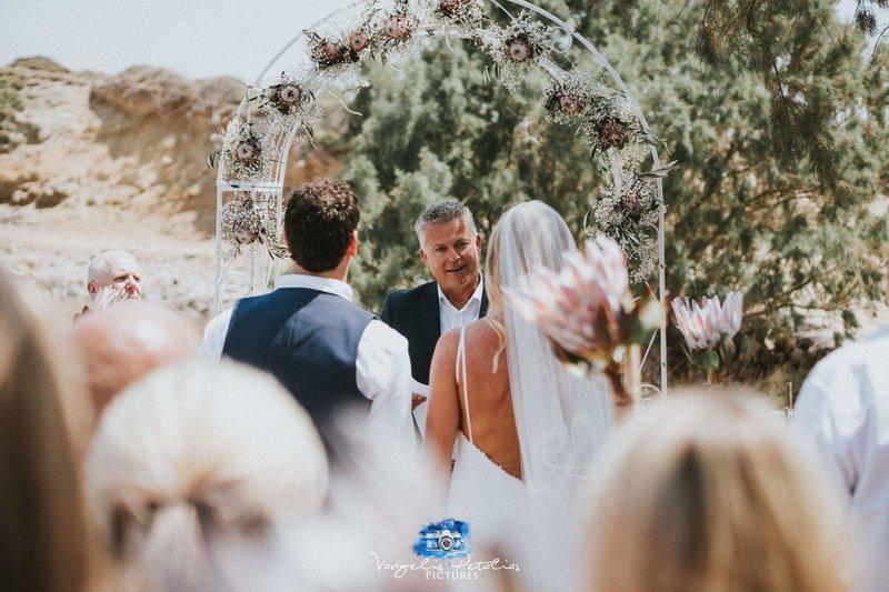 Το 50% των ζευγαριών που επιθυμούν να παντρευτούν στο εξωτερικό, επιζητούν έναν προορισμό που να συνδυάζει ειδυλλιακό σκηνικό και προϋποθέσεις για διακοπές