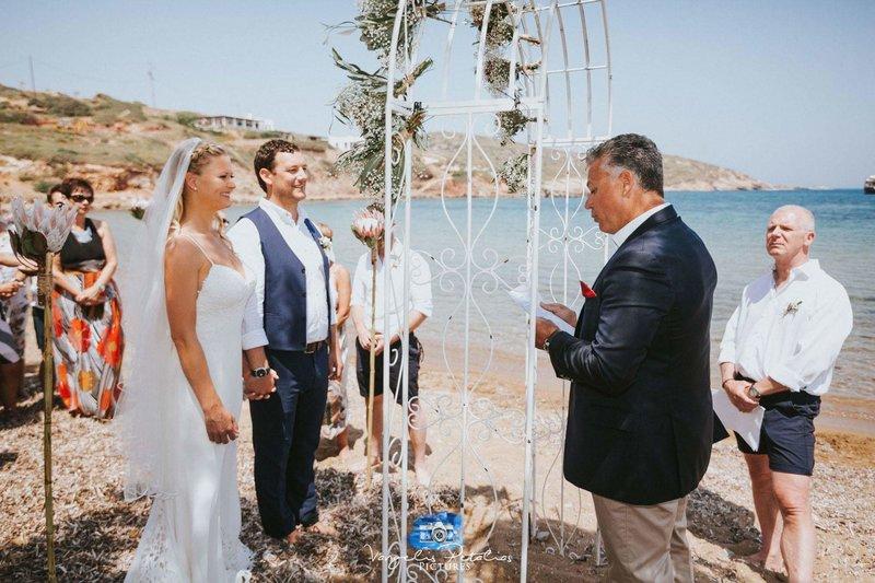 Σύμφωνα με τον δήμαρχο του νησιού, Φώτη Μάγγο υπάρχει μεγάλη ζήτηση για την τέλεση γάμων